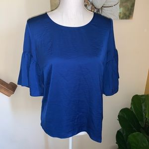 CAbi 5526 blue ruffle sleeve blouse size Small